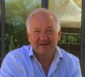 Piers Bishop - medical, technical and scientific English Voiceover with a warm explanatory tone